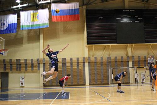 Правильная техника подачи мяча в волейболе